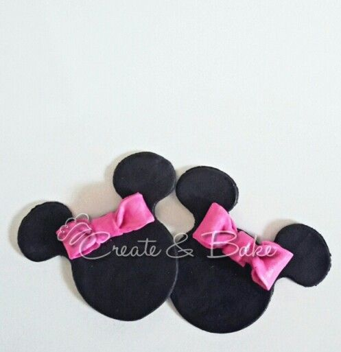 Fondant mini mouse toppers .Cake creating in Cape Town, South Africa. www.createandbake.co.za