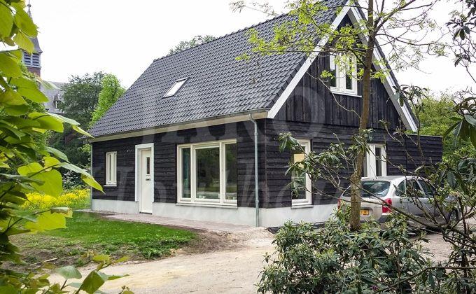 Www.jarohoutbouw.nl 0341759000 houten woning in sterksel. Wilt u ook een houten huis bouwen? Maak een afspraak om kennis te maken met onze bouw en werkwijze en bezoek onze fabriek.