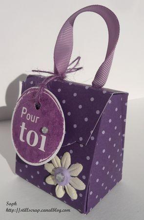 Tutoriel Tuto de la boîte cadeaux (Créations en carton - cartonnage) - Femme2decoTV