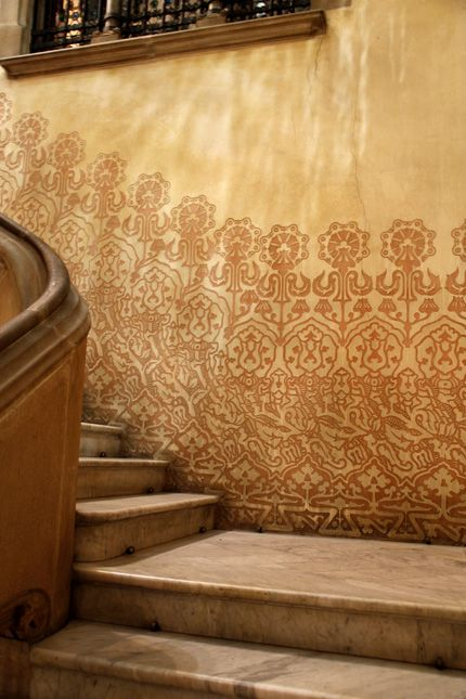Sgraffito plaster and patterns on decorative walls in Barcelona, Spaint: