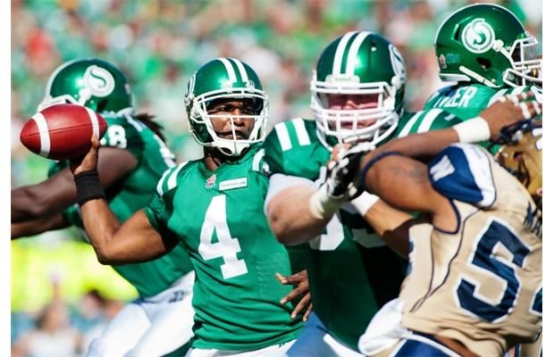 Saskatchewan Roughriders quarterback Darian Durant looks to make a pass during the first half against the Winnipeg Blue Bombers in CFL football action in Regina, Sask., Sunday, September 1, 2013.