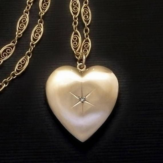 Yearsafter Vintage 10k Gold Heart Diamond Locket Necklace Both Frames 10k Goldlocket Heartlocket Di Diamond Locket Diamond Heart Vintage Modernist Jewelry