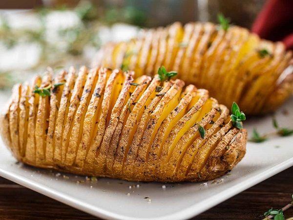 patate al forno alla svedese: croccanti fuori morbide dentro