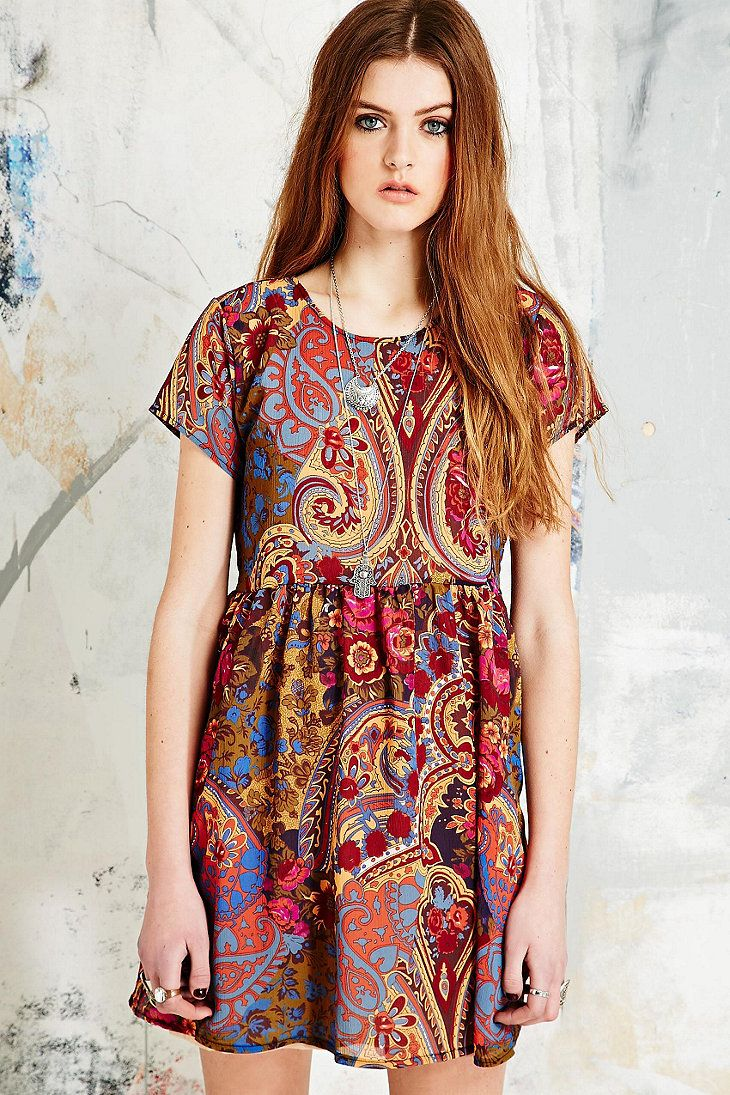 Vintage O&O Babydoll Dress in Red Paisley - Urban Outfitters