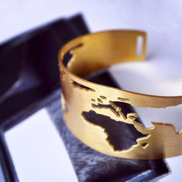 Our newest Travel design!! The beautiful Globe bracelet  •find it in our shop  #newdesign #globebracelet #handmadejewelry #traveling #adventureawaits #travelbracelet #worldcuff #athens #fernweh #travelmore #worldtraveller #worldjewelry #worldjewelry