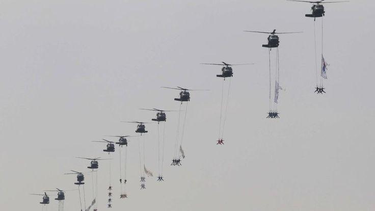 DÉFILÉ. La Corée du Sud a organisé mardi sa plus grande parade militaire depuis une décennie à l'occasion du 65e anniversaire de la création...