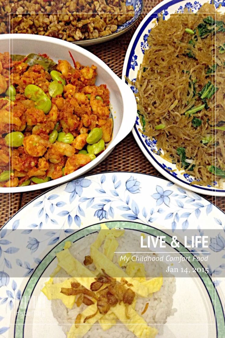 Vivi's home cooking: Nasi Uduk (savoury rice), Sambal Goreng Udang+Petai (shrimps stir-fry with chilly & stink beans), Soun Goreng (stir-fry glass noodles), and Kering Tempe (crispy soybean cake found only in Indonesia).