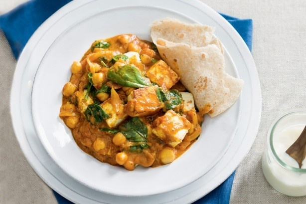 Paneer, spinach and chickpea curry