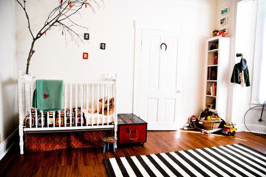 Trend Watch: Black & White Rugs in Kids Rooms #kidrooms @Apartment Therapy