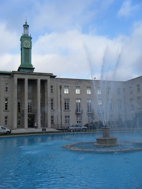 Walthamstow Town Hall. Open fountain for kids to paddle in, and occasional concerts inside