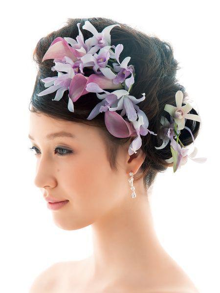 どこかアーティスティックなデザインは個性を求める花嫁におすすめ!/Side|ヘアメイクカタログ|ブライダル・ビューティ|ザ・ウエディング