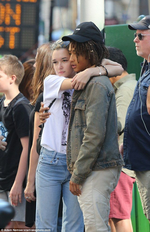 PDA session:Jaden Smith and his girlfriend Sarah Snyder turned a shopping trip in New Yor...