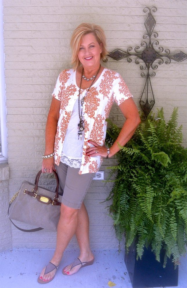 50 IS NOT OLD | Summer Outfit | Shorts | Fashion over 40 for the everyday woman #quackerfactory #michaelkors #ninashoes #plunderjewelry
