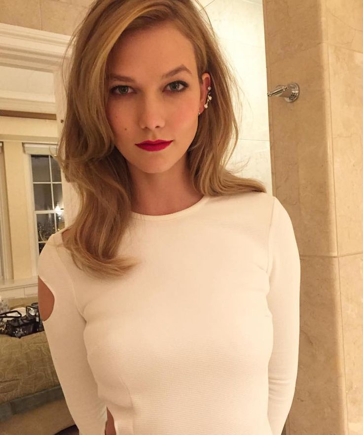 Karlie Kloss #Karlie_Kloss Those brows and that lip!