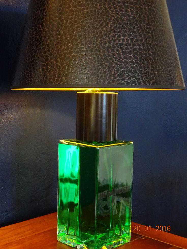 Designed by Tommy Hilbert, #Unikate, #Einzelstücke, #Lampen, #Licht, #Beleuchtung, 'Green Jil' rare giant factice Jil Sander Men shade crocodile brown, inside gold One of a kind