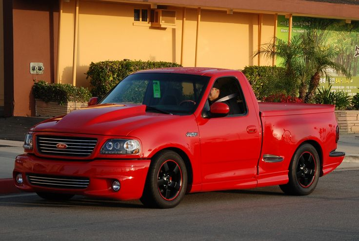 https://flic.kr/p/7WXf4u | FORD SVT LIGHTNING PICKUP TRUCK