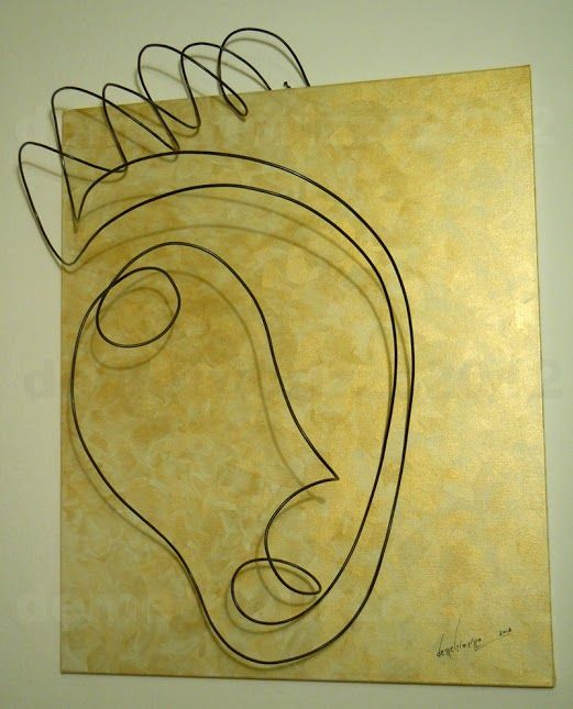Wire sculpture by Demetrio Rizzo: L'apparizione - 2012 - wire & canvas - Size: 55x65x25cm