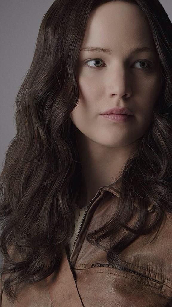 And here's another image of Katniss for Mockingjay Part One!!!!