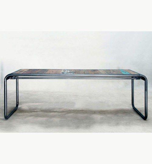 Java soffbord i storlek 140 x 50 natur. Bordet kommer från en väldigt unik serie möbler. Alla Java möblerna är nämligen tillverkade i virke/trä som är återvunnet från gamla båtar. Man har låtit virket genomgå en torkningsprocess för att öka livslängden på virket. #azdesign #soffbord #bord