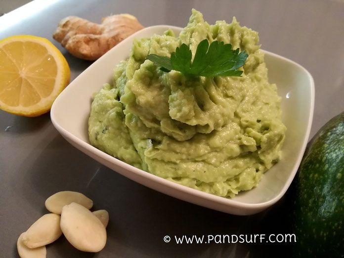 Pesto di avocado con mandorle e zenzero - ricette vegane
