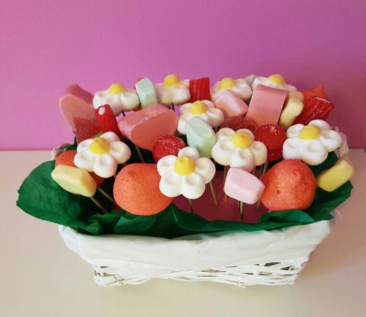 les 378 meilleures images propos de chuches sur pinterest sushi de bonbons brochettes et. Black Bedroom Furniture Sets. Home Design Ideas