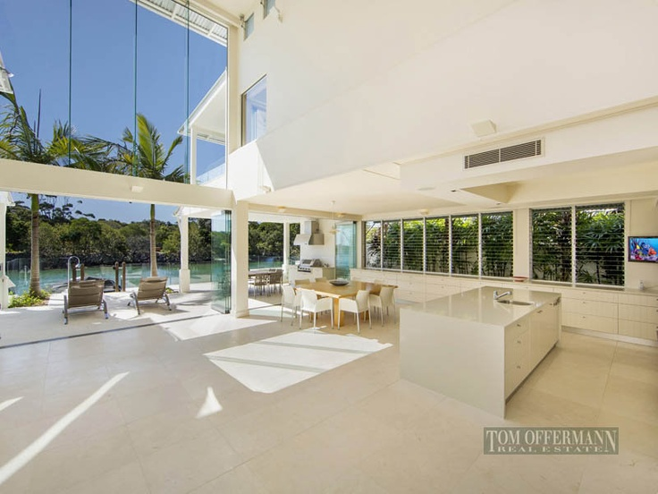 Extraordinary Waterfront Haven    Located barely three minutes level walk from Hastings Street, the golden sands of Noosa Main Beach and the picturesque waters of Laguna Bay, this exceptionally well designed absolute waterfront residence delivers an uncompromised level of quality and timeless appeal.    Bearing the recognized trademarks of internationally renowned Sunshine Coast designer Stephen Kidd.