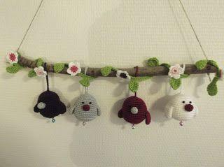 HaakYdee: Tak met gehaakte vogeltjes en bloemenslinger