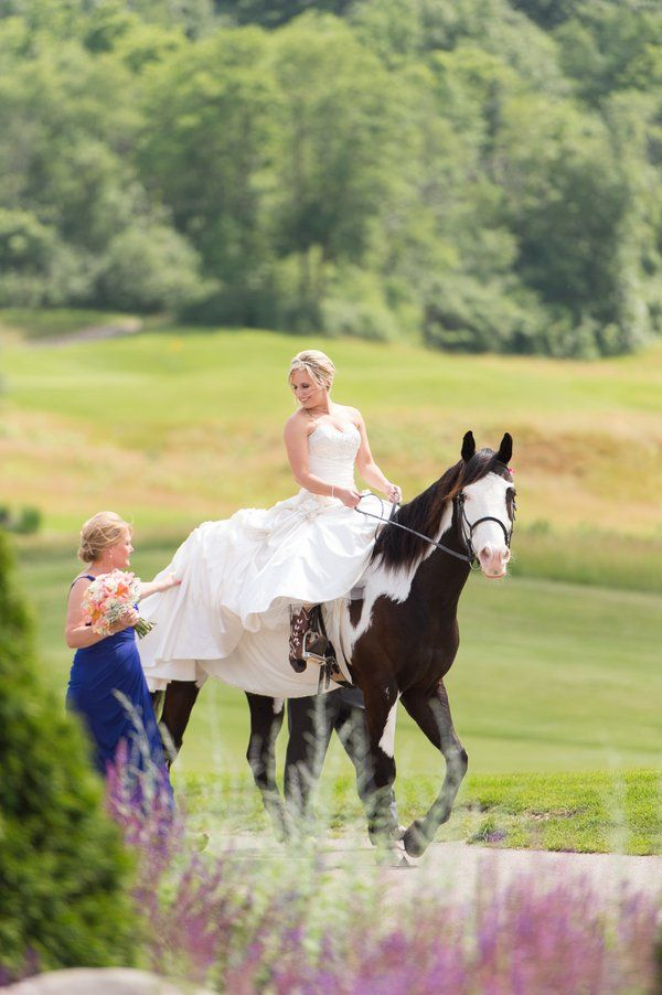 A great way for a cowgirl bride to make an entrance to her Rustic Western Wedding. - #CountryWedding #CowgirlWedding