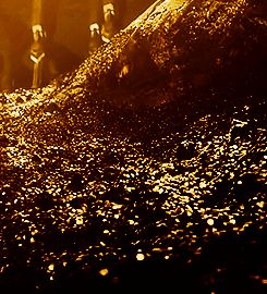 Hobbit Desolation of Smaug GIF Dragon