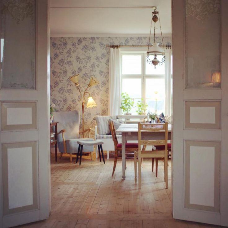 """2,784 gilla-markeringar, 27 kommentarer - Clara Lidström (@underbaraclaras) på Instagram: """"Bästa vi gjort hemma var att ta upp detta hål i väggen och sätta in pardörrar. Att kunna gå runt…"""""""