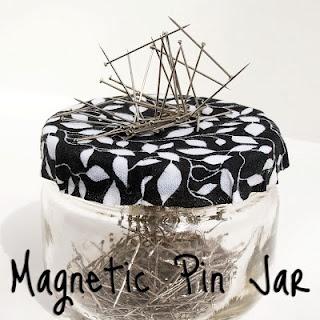 magnetic pin jar: Good Ideas, Crafts Ideas, Magnets Pin, Magnets For Pin, Crafts Rooms, Pin Cushions, Pin Jars, Sewing Rooms, Mason Jars