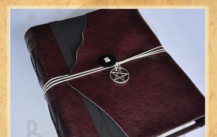 Estúdio Brigit, Book of Shadows, BOS, Grimoire, Livro das Sombras, Wicca