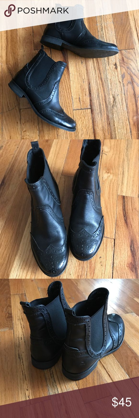 Bull boxer size 37 Bull boxer pull on leather bootie size 37 original retail $132 Bull Boxer Shoes Ankle Boots & Booties