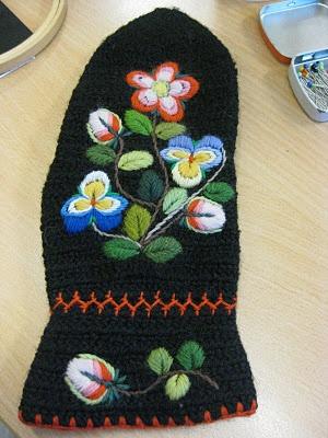 swedish folk art embroidery pådöm delbosöm