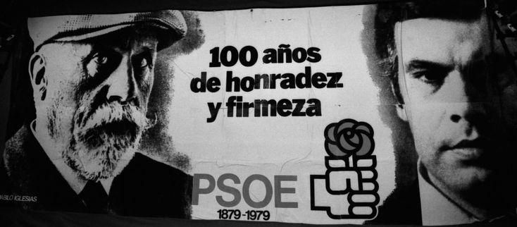"""El Partido Socialista se consolidó como segunda fuerza política de España en las elecciones de 1979 (121 escaños, 98 más que el Partido Comunista), en las que la UCD volvió a imponerse (168).  El cartel, en el que Iglesias y González interpelan con la mirada al espectador, con el eslogan """"100 años de honradez y firmeza""""."""