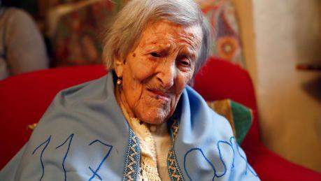 Verdens ældste: Hemmeligheden er hårdt arbejde   Nyheder   DR