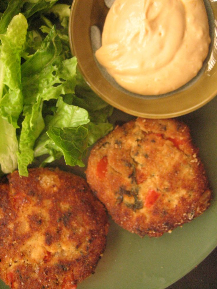 Cilantro Lime Salmon Cakes with Chipotle Mayo | Recipe