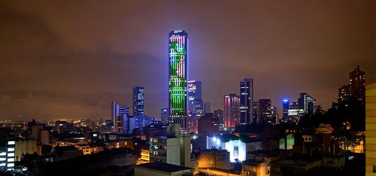 LA TECNOLOGíA LED. Fuente de iluminación versátil... Torre Colpatria en Bogotá, Colombia.