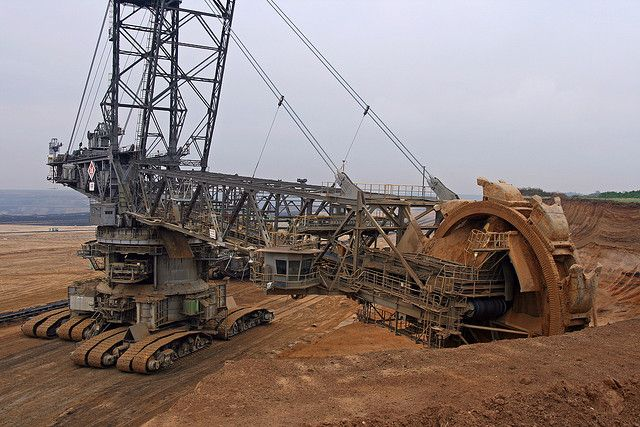 An excavator at work at Tagebau Garzweiler.This is a bucket wheel excavator