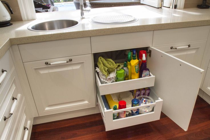 Traditional kitchen. Under sink drawers. www.thekitchendesigncentre.com.au