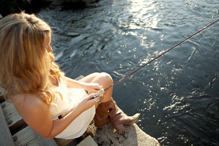 fishing: Pictures Ideas, Girls Senior Fish Pictures, Country Girls, Country Living, Senior Pics, Country Life Style, Senior Pictures Fish, Fish Senior Photo, Fish Senior Pictures