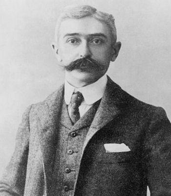 """Les pires dérapages sexistes des sportifs  -- Le baron Pierre de Coubertin, le père des JO modernes, a lui aussi prononcé des discours particulièrement dégradants pour les femmes. C'était, il est vrai, en 1912, une autre époque mais les propos sont particulièrement forts. Il déclarait ainsi que les JO  n'étaient que """"l'exaltation solennelle et périodique de l'athlétisme mâle avec l'applaudissement féminin pour récompense"""". Une forme de misogynie assez banale au début du siècle."""