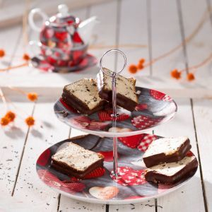 Valentine's plateau.  #dekoria #love #couple #valentines2017 #gift #bedroom #walentynki #prezent #plateau #patera #baking #cookies # kitchen #dlaniej #pieczenie #ciasteczka #kuchnia