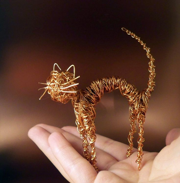 Halloween Copper Wire Cat (I used to make things like this. Should do again :))