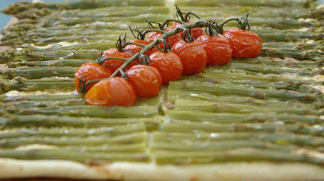 Pizza 'Bianca' met roomkaas en asperges