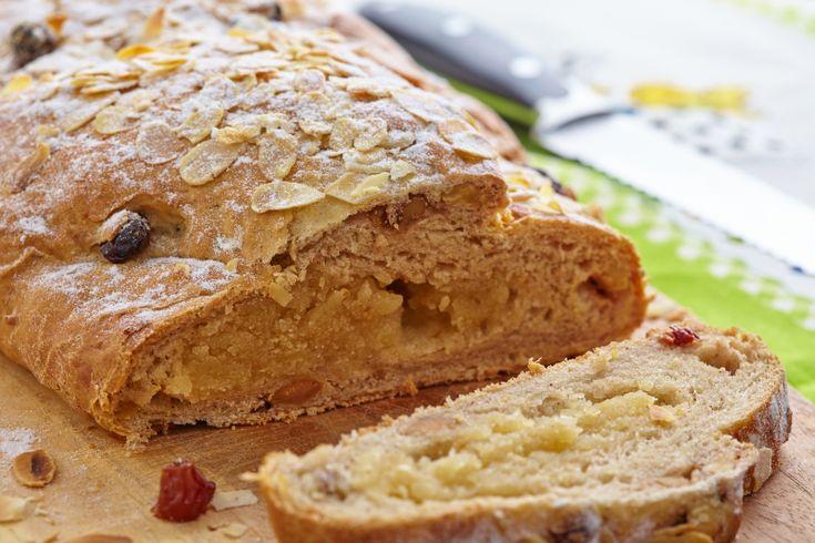 In een traditionele paasstol wordt helaas nog vaak (room)boter, melk en/of ei gebruikt. Dit recept laat zien dat het gelukkig ook anders kan. Met deze stol zet je een heerlijk en diervriendelijk paasontbijt op tafel. Ook geschikt voor Kerst!