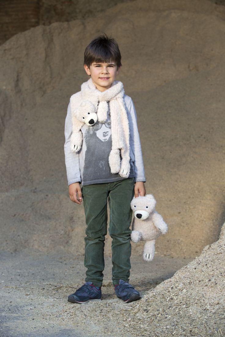 Niente di più morbido della sciarpa e peluche realizzati con il nostro kit Oscar dello Zoo di Mondial! #lanemondial #mondial #lane #zoo #yarns #filati #fashion #style #baby