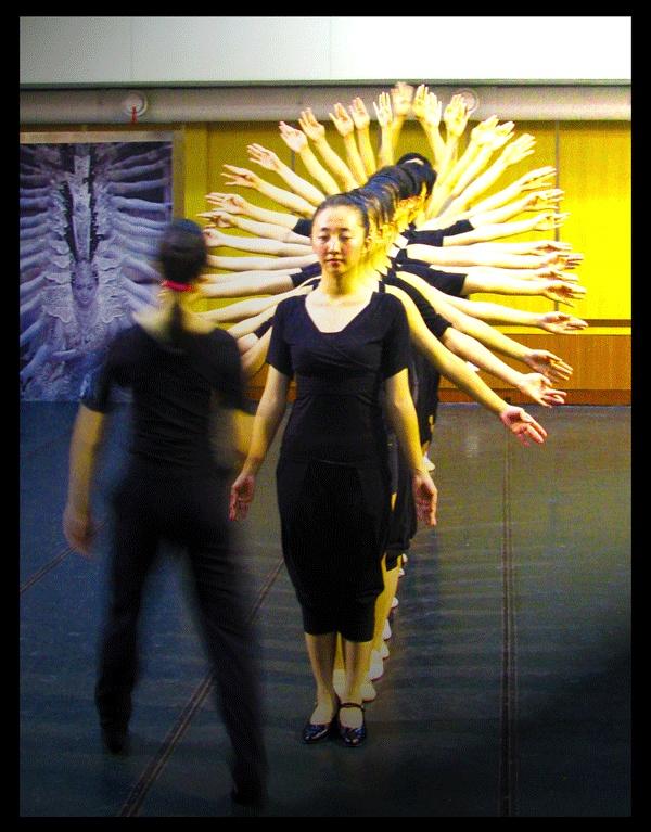 Company members rehearse one of their iconic dance presentations, Avalokitesvara Bodhisattva (Thousand Hand Bodhisattva).    They will be at the Sony Centre Toronto on Oct 12.