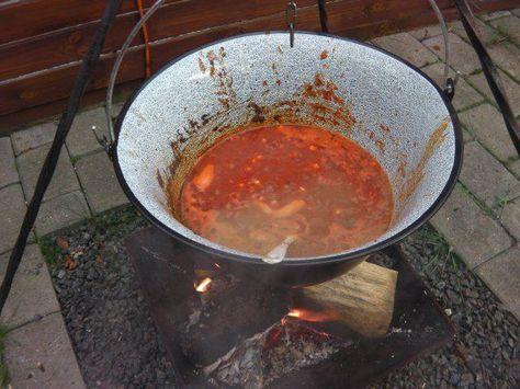 Das perfekte Kessel: feuriges Chili con Carne-Rezept mit einfacher Schritt-für-Schritt-Anleitung: Das Dosengemüse (je Dose ca. 450 Gramm mit 200-250 Gramm…
