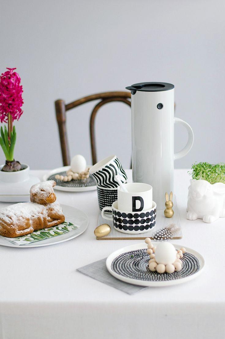 デンマークのキッチンウエア会社Stelton(ステルトン)から発売されている「クラシックジャグ」という魔法瓶をご存知ですか?一度見たら忘れられない、シンプルで無駄のないデザイン、そしてどこかペンギンを思わせる魔法瓶です。
